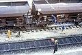 110R27281083 Bereich Wirtschaftsuniversität, Franz Josefs Bahnhof, Gleisbauarbeiten, einschottern.jpg