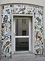 1180 Czartoryskigasse 62-68 Stg 8 - Tormosaik Heimische Tiere und Pflanzen von Gustav Hessing IMG 5360.jpg