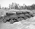 12″ railway gun projectiles (SA-kuva 139097).jpg