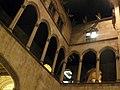 15 Ajuntament de Barcelona, galeria gòtica.jpg