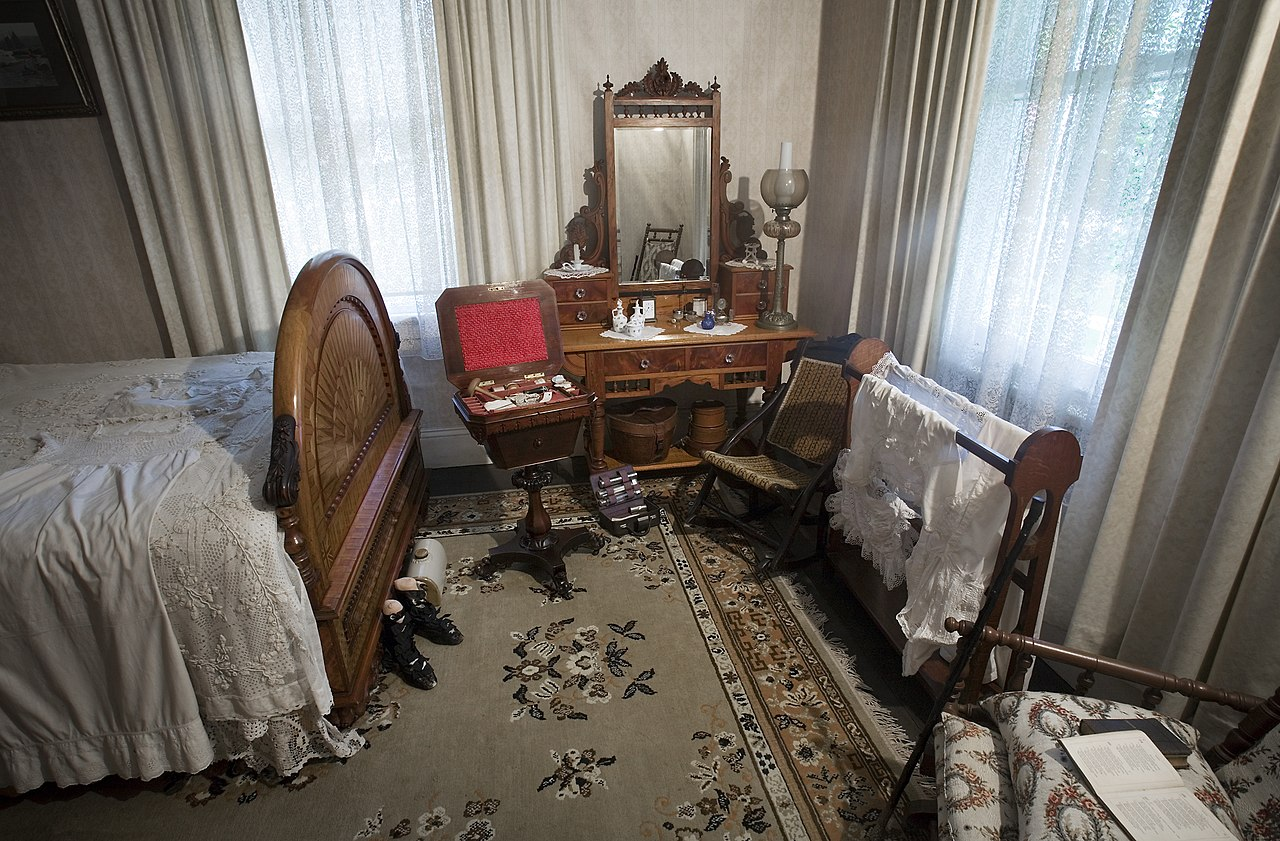 File 19th Century Bedroom Auckland 0834 Jpg Wikimedia