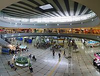 2009-09-25 - Panorama inside Suwon Station.jpg