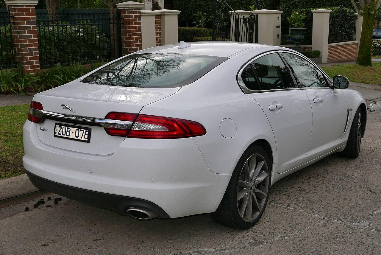 File:2013 Jaguar XF (X250 MY13) Luxury 2.2 sedan (2015-08 ...