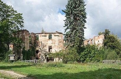 2019 Zamek w Owieśnie 2.jpg