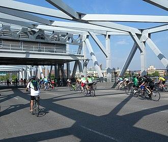 Willis Avenue Bridge - The bridge during the 2010 Five Boro Bike Tour