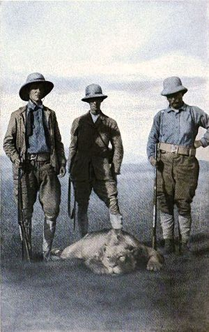 Sir Alfred Pease, 2nd Baronet - Sir Alfred Pease (centre) in 1909, hunting with former US President Theodore Roosevelt (right) and Roosevelt's son Kermit