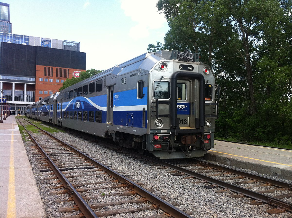 Suburban Ann Arbor >> Bilevel rail car - Wikipedia