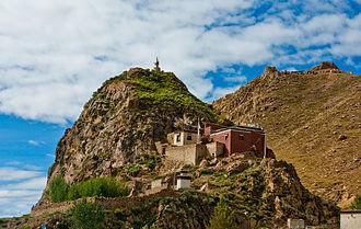 Shigatse - Image: A monastery in tibet