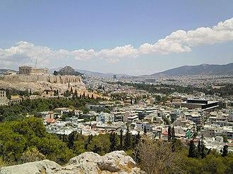 Acropolis Museum - Parthenon (left) and Acropolis Museum (right).