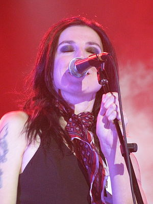 Adalita Srsen - Image: Adalita from Magic Dirt, Rockwiz, Canberra