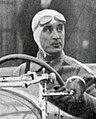 Albert Perrot en 1935, à la côte de Chanteloup (sur Delahaye).jpg