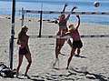 Alki - beach volleyball 01 (cropped).jpg