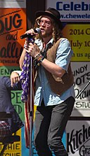 Allen Stone at Chataqua 2013.jpg