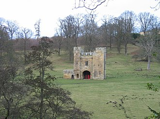 Alnwick Abbey - Alnwick Abbey gatehouse