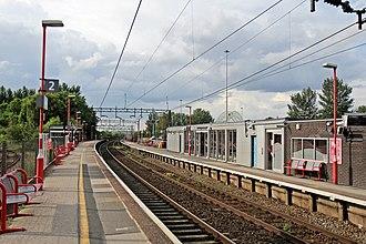 Runcorn railway station - Image: Along platform 2, Runcorn railway station (geograph 4020292)