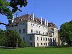 Altes_Schloss_Schlosspark_Laxenburg.jpg