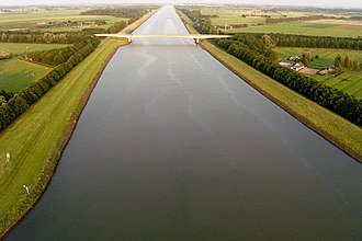Amsterdam–Rhine Canal - Image: Amsterdam Rijnkanaal.air
