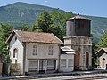 Ancien buffet de la gare d'Annot, et château d'eau.jpg