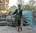 Angkor Thom-Bayon-98-Schauspielerin-2007-gje.jpg