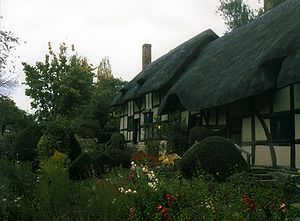 Anne Hathaway's Cottage from streetside