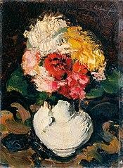 Blumenbouquet in weißer Vase