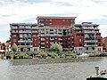 Apartments near Kingston Bridge - panoramio (1).jpg