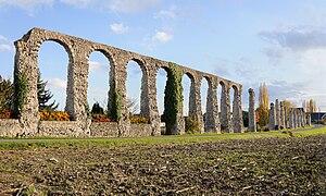 Aqueduct of Luynes - Image: Aqueduc Luynes