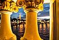 Araignée sur le Pont Alexandre III, Paris (35463577614).jpg