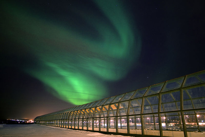 File:Arktikum and Northern Lights.jpg