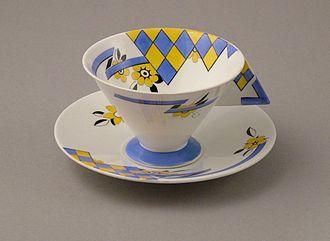 Shelley Potteries - Art Deco Vogue shape designed by Eric Slater 1930