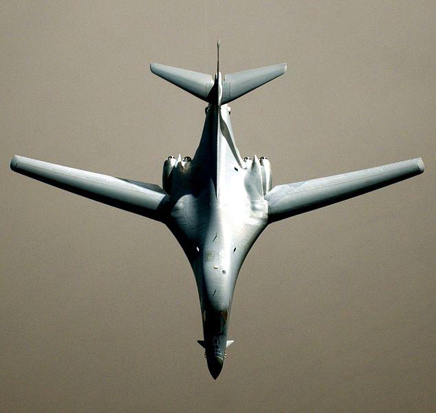 Défi moins de kits en cours : Rockwell B-1B porte-clé [Airfix 1/72] *** Abandon en pg 9 - Page 7 634px-B-1B_in_flight