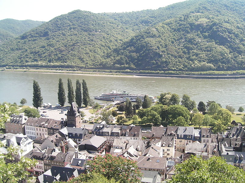 File:Bacharach town river.jpg