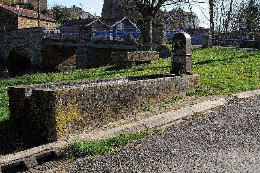 Fontaine à Bazeilles-sur-Othain .