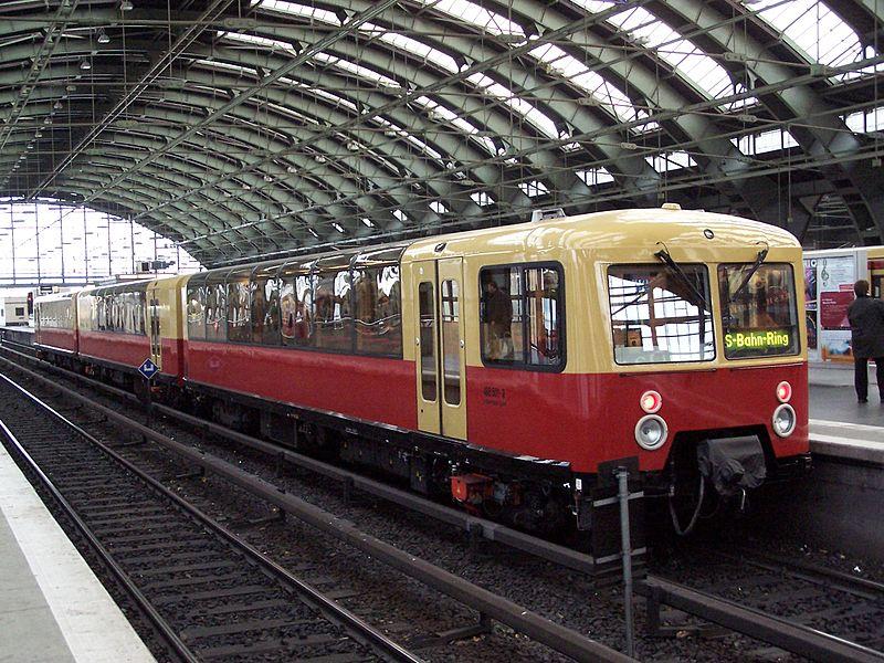 File:Berlin.S-Bahn.Panoramazug.JPG