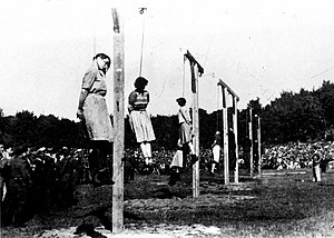 Hanging - Execution of guards of the Stutthof concentration camp on 4 July 1946 by short-drop hanging. In the foreground were the female guards: Jenny-Wanda Barkmann, Ewa Paradies, Elisabeth Becker, Wanda Klaff, Gerda Steinhoff (left to right)