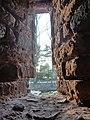 Blick durch eine Schießscharte der Zonser Stadtmauer - panoramio.jpg
