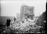 Bombardement de Paris en janvier 1916 par des Zepplin, dégâts au 34 rue du Borrégo.jpg