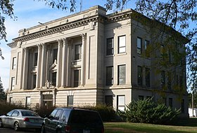 Bon Homme County courthouse from SE 1.JPG