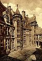 Bourges cour du palais jacques cœur-croped.jpg