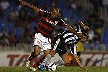 abe4b70a96 Emerson atuando pelo Flamengo em partida contra o Botafogo no Brasileirão  de 2009