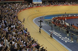 Cycling at the 2012 Summer Olympics – Women's team pursuit - The British team celebrating their victory