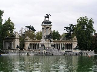 Buen Retiro Alfonso XII 01.jpg