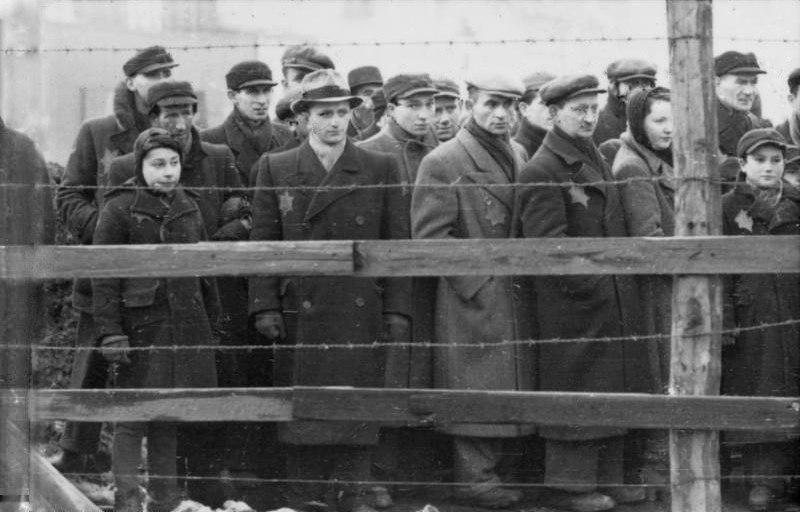 Bundesarchiv Bild 101I-133-0703-19, Polen, Litzmannstadt, Juden hinter Stacheldraht