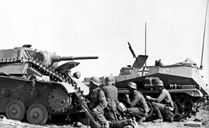 Case Blue - Image: Bundesarchiv Bild 101I 218 0503 19, Russland Süd, zerstörter russischer Panzer