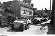 Bundesarchiv Bild 101I-300-1859-10, Frankreich-Belgien, Schützenpanzer, Panzerwerfer