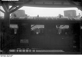 Bundesarchiv Bild 102-12987, Bremerhaven, Columbus-Bahnhof.jpg