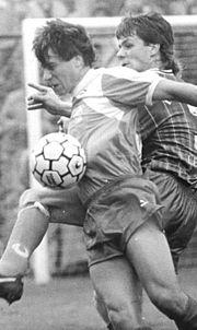 Bundesarchiv Bild 183-1990-0922-021, Pokal, FC Sachsen Leipzig - FC Rot-Weiß Erfurt 0-2