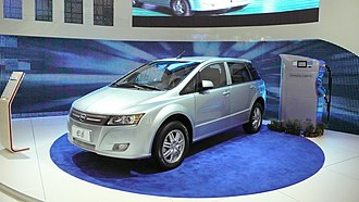 BYD e6 - Image: Byd e 6 crossover 1