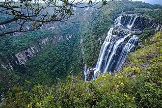 Serra Geral National Park - Image: Cachoeira do tigre preto