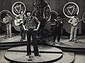 Can i Gymru Cilmeri folk group 1975 Main grwp gwerin yn perfformio 'Ar hyd y Glannau'.jpg